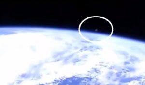 UFO avvistato dalla ISS: la NASA spegne la diretta streaming – VIDEO