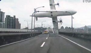 Taiwan, diffuso il video dell'incidente aereo