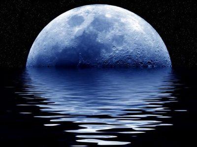 Luglio è il mese della Luna blu. Ecco cos'è una Blue Moon e perchè si verifica