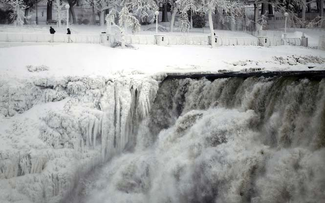 cascate niagara congelate freddo