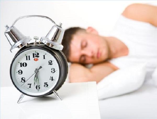 dormire-troppo-rischi-salute-sonno