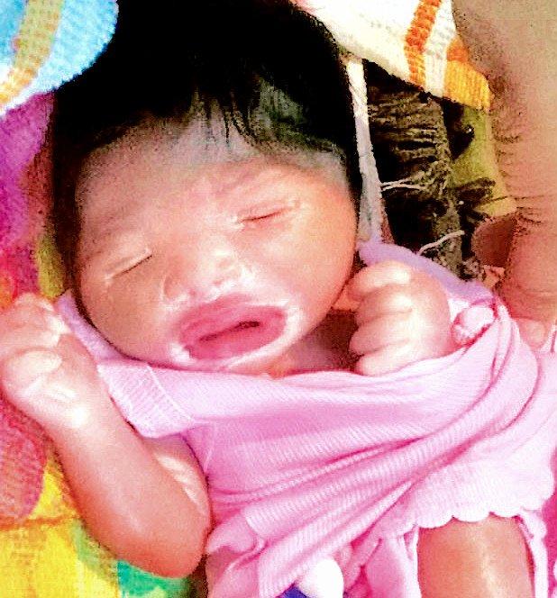 india-bambina-di-plastica-collodion-baby