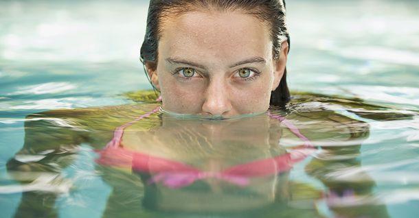 occhi-rossi-piscina-cloro-urina