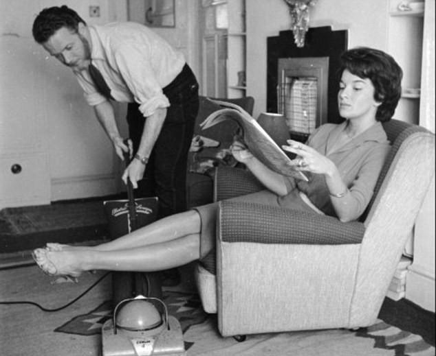 moglie marito faccende domestiche