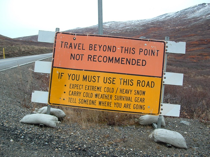 Nome_Alaska_road_sign