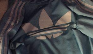 Di che colore vedi questo giacchetto? Dopo il vestito arriva #TheJacket