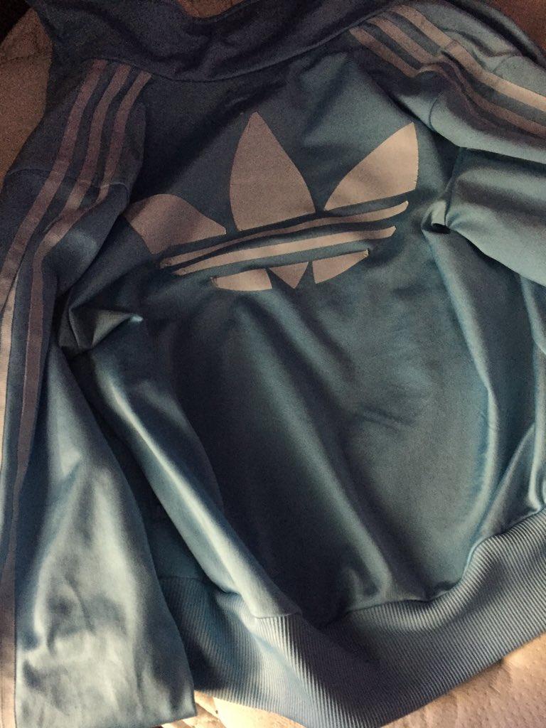 giacchetto adidas cambia colore