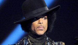 Grandi quantità di oppiacei in casa di Prince. Continuano le indagini sulla morte del cantante