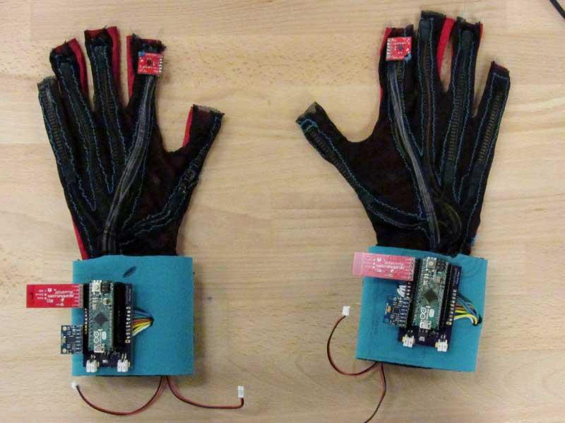 SignAloud: i guanti per non udenti che traducono i segni in parole