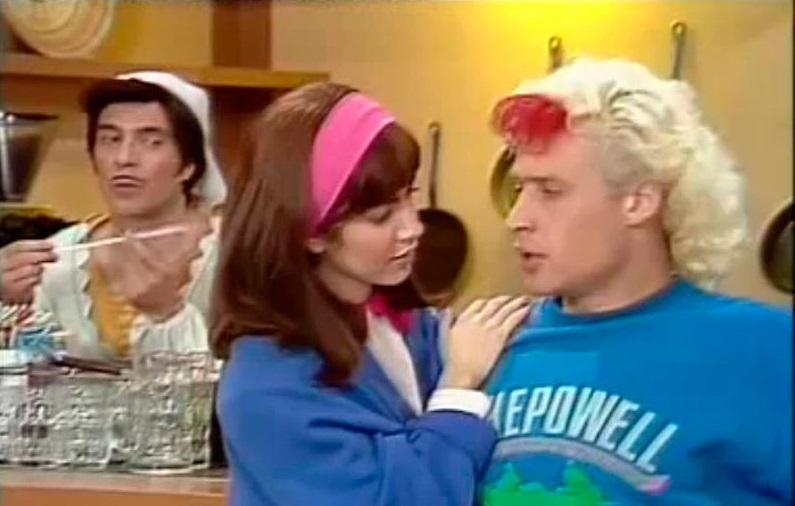 Cristina d avena torna in tv con i telefilm di quot kiss me licia