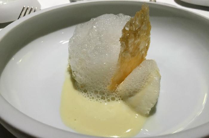 Cinque stagionature del Parmigiano Reggiano in diverse consistenze e temperature.