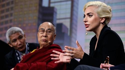 lady gaga incontra il dalai lama