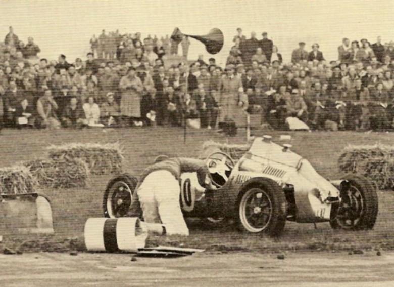 Collins.crash_.Silverstone.51