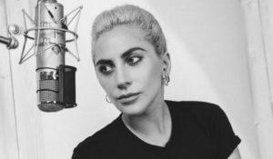 """A-Yo, la nuova canzone di Lady Gaga arriva online e Joanne viene """"rubato"""""""
