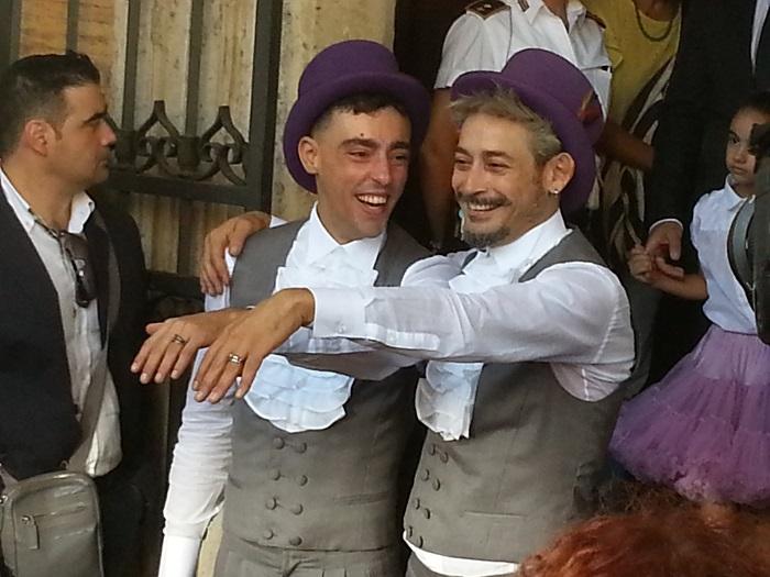 Primo Matrimonio Gay Toscana : Francisco e luca oggi sposi primo matrimonio gay roma