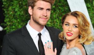 Miley Cyrus gelosa di Liam Hemsworth: fa spiare il fidanzato sul set