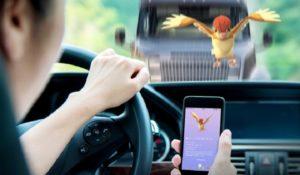 Non si potrà più giocare a Pokémon GO in auto con il nuovo aggiornamento