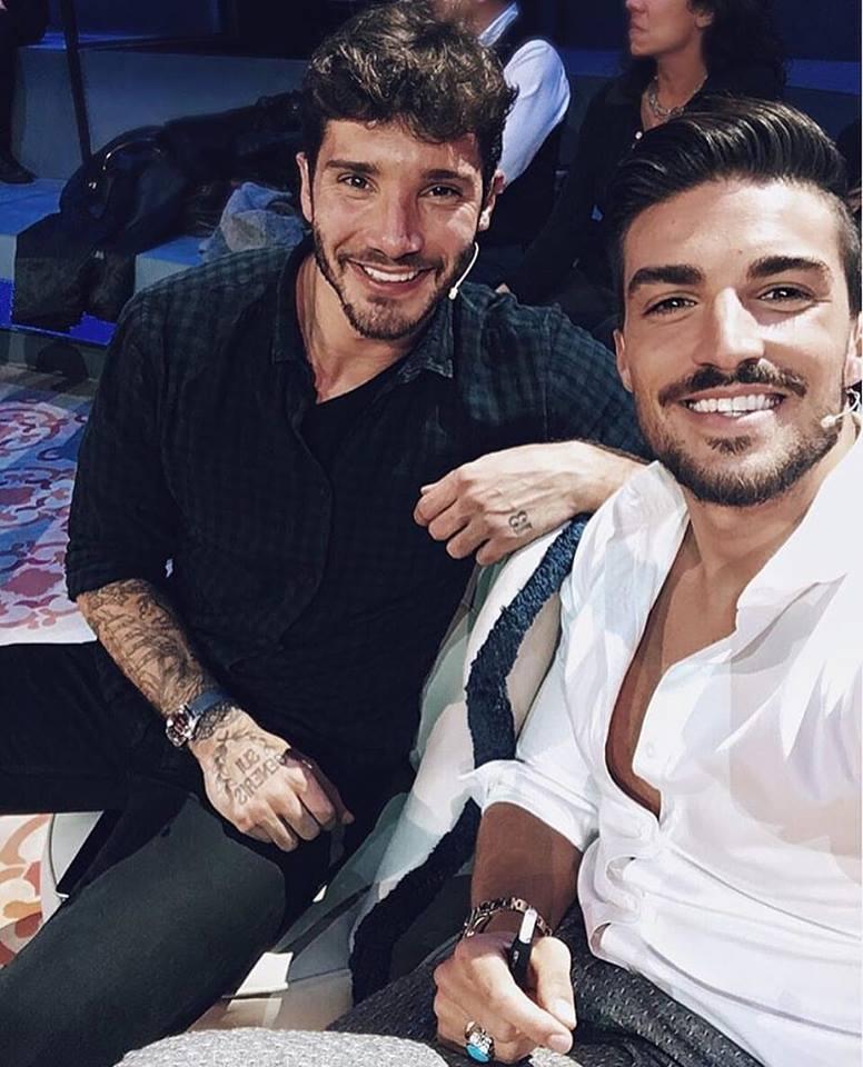 simona_ventura_presenta_il_cast_ufficiale_di_selfie