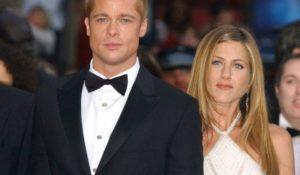 Jennifer Aniston Brad Pitt relazione a suon di messaggi