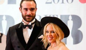 Kylie Minogue non si sposa finché non lo potranno fare i gay in Australia