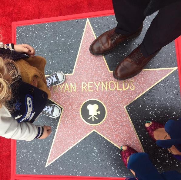 ryan_reynolds_riceve_la_stella_sulla_walk_of_fame