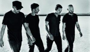 I fan protagonisti di Amazing Day dei Coldplay, il nuovo video