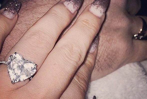 lady gaga restituisce l'anello di fidanzamento a taylor kinney
