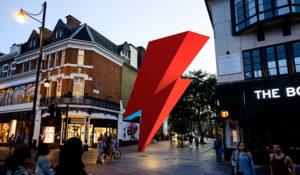 Una saetta in ricordo di David Bowie. Parte il crowdfunding per costruire il monumento