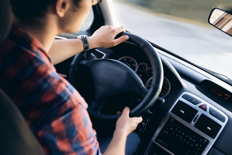 Divieti al volante negli Stati Uniti