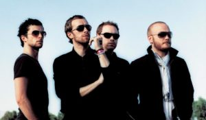 """Chris Martin festeggia i suoi 40 anni con il nuovo singolo dei Coldplay: """"Hypnotised"""""""