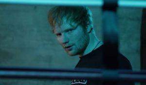 Arrestata per colpa di Ed Sheeran. Ascoltava troppe volte Shape of you ad alto volume