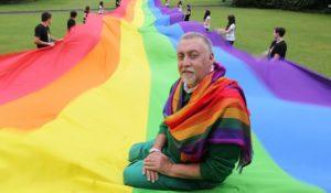 Addio a Gilbert Baker, l'uomo della bandiera arcobaleno