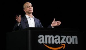 Grazie ad Amazon Bezos uomo più ricco del mondo. Dopo Bill Gates naturalmente