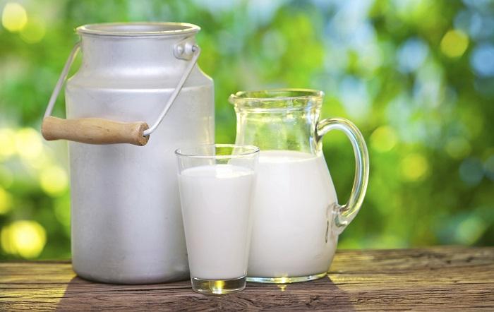 latte etichetta con la provenienza