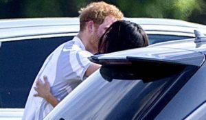 Harry e Meghan Markle, il primo bacio pubblico tra il principe e l'attrice