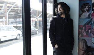 Luca Bassanese, Colpiscimi felicità il suo nuovo album