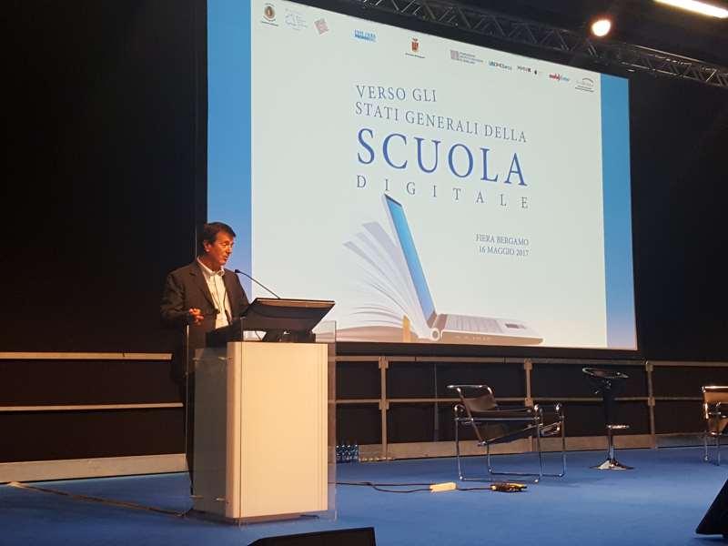 Vaccini, 700 genitori toscani scrivono alla Fedeli: no all'obbligo