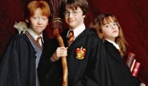 Harry Potter e la pietra filosofale, 20 anni fa la prima lettura babbana