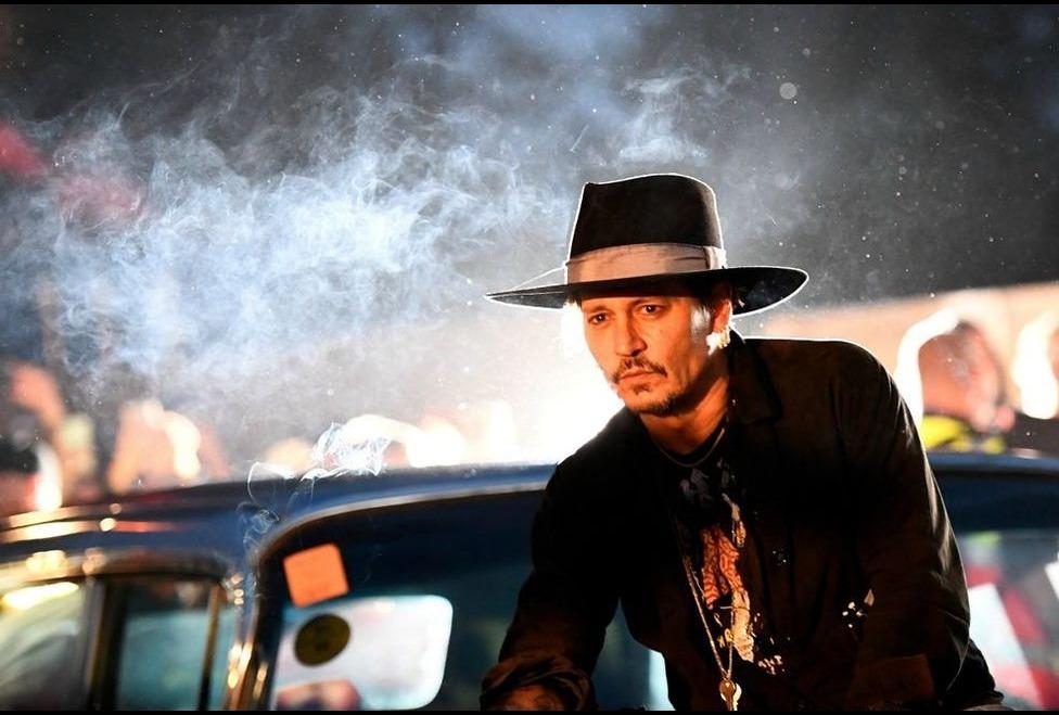 Johnny Depp provoca al Glastonbury Festival