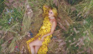 Katy Perry non bada a spese: collana da 226 mila dollari nel video di Feels