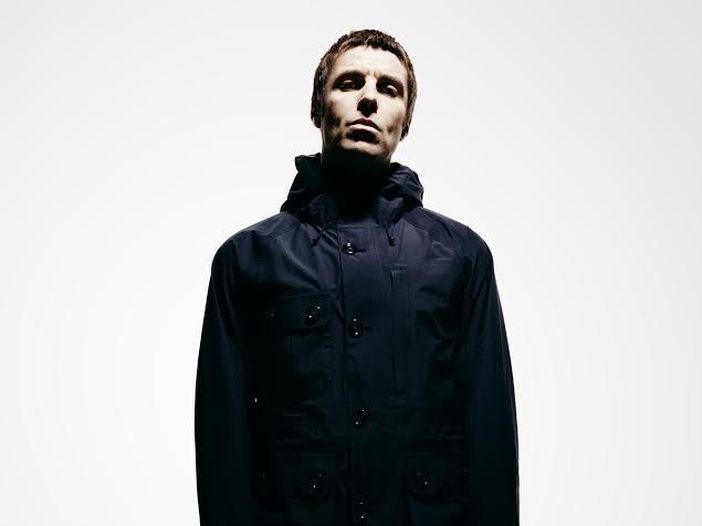 wall of glass liam gallagher (2)