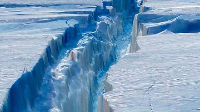 Antartide, si è staccato l'iceberg grande come la Liguria
