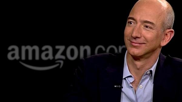 Jeff Bezos uomo più ricco al mondo