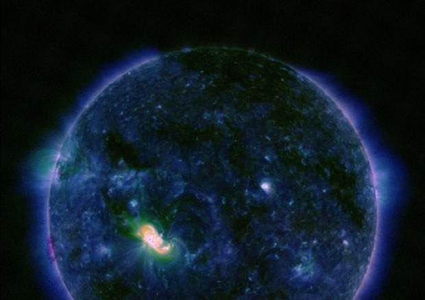 Macchia gigante sul Sole, scienziati preoccupati