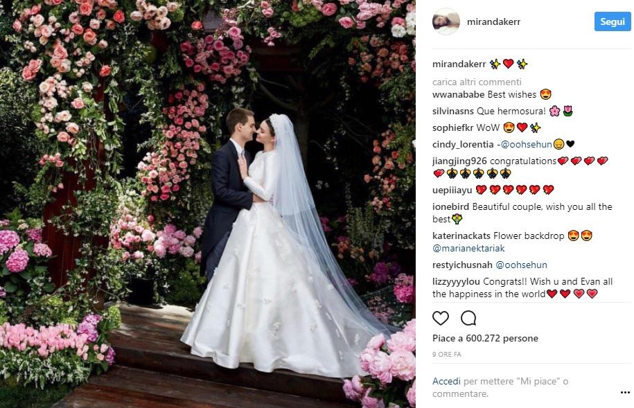 L'abito da sposa di Miranda Kerr: come Grace Kelly