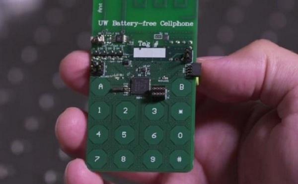 primo telefono senza batteria