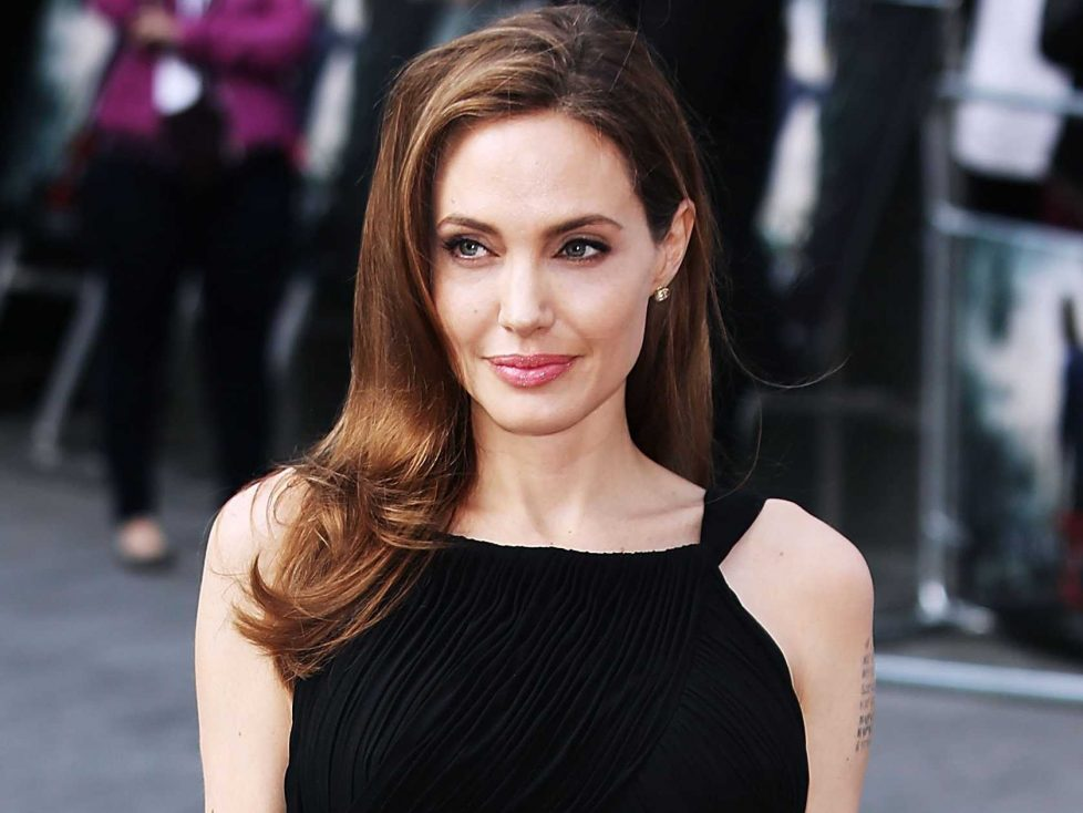 Angelina Jolie e l'essere single