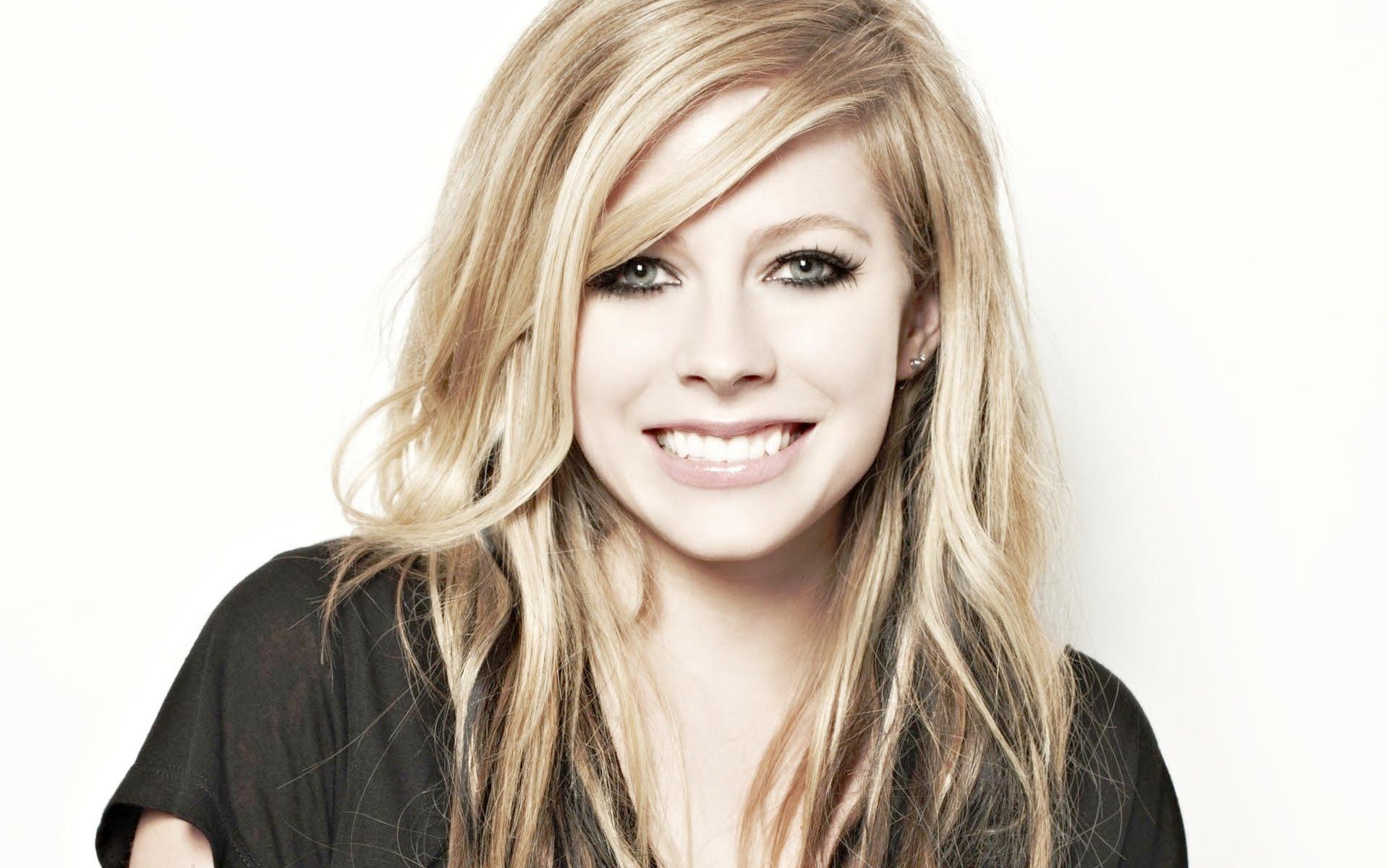 Avril Lavigne la celebrity più pericolosa su internet
