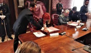 Legalità, firmato protocollo d'intesa Miur-GdF
