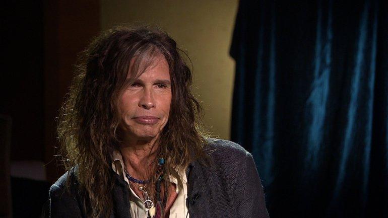 Steven Tyler sta male: cancellato il tour degli Aerosmith